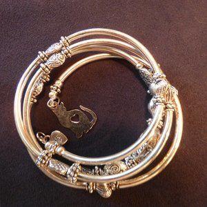 New Silver Slinky Bracelet w Cat Charm Handmade